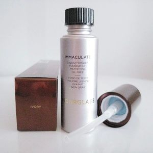 Hourglass immaculate foundation IVORY
